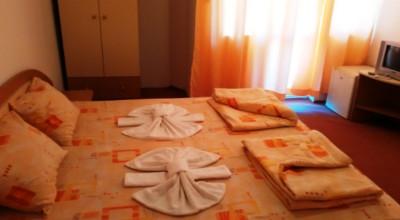 Семеен хотел Малката Стопанка Приморско
